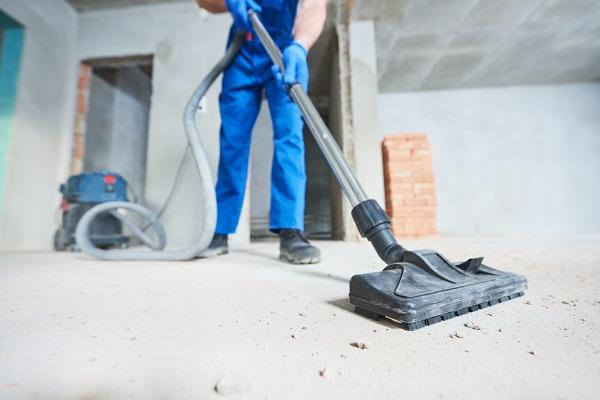 Byggrenhold-støvsuger-gulv-for-smuss-og-støv